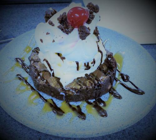 Double Bogey Brownie with Ice Cream